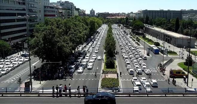 Los taxistas de Madrid se unen a la huelga de Barcelona