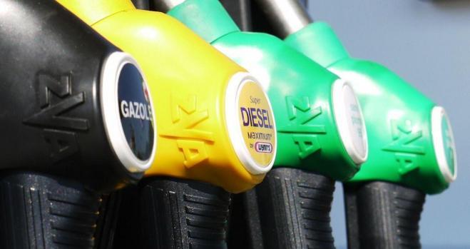 Las ventas de coches de gasolina se disparan un 31%