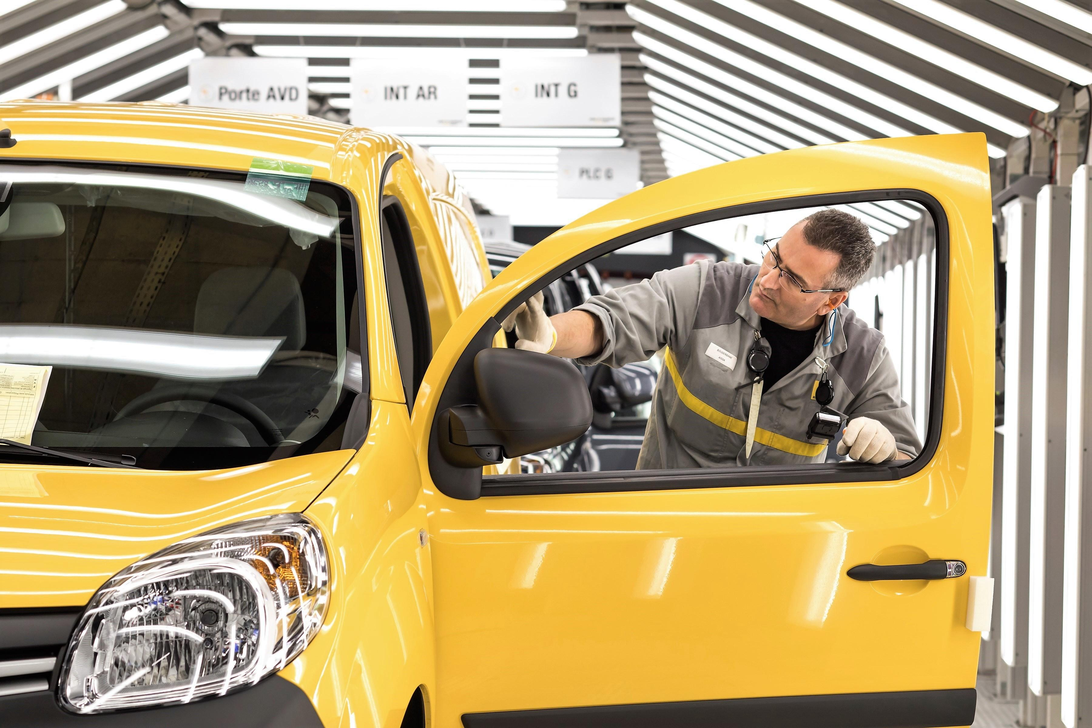 Nissan fabricará una nueva furgoneta en una planta de Renault en Francia