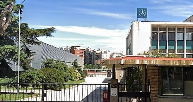 Mercedes vende su vieja fábrica de Barcelona a los 11 años del cierre