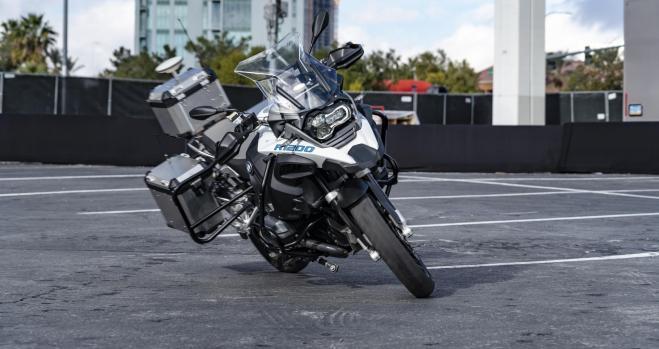 La nueva moto autónoma de BMW