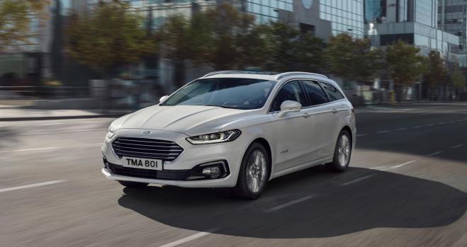 La fábrica de Ford de Valencia suma el Mondeo familiar híbrido