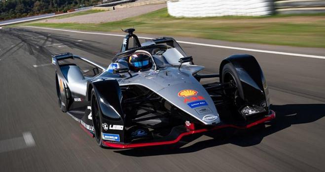 Los coches eléctricos de Nissan se quedan tirados en la Fórmula e